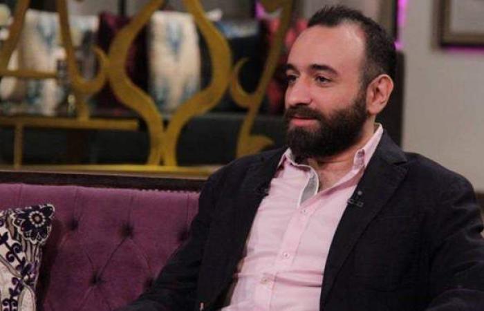 """عمرو سلامة يسخر من قرار منع مسلسل """"الطاووس"""" من العرض"""