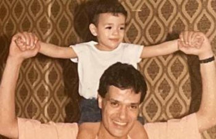 """محمد إبراهيم يسرى يحيى ذكرى رحيل والده:""""لا الوقت بيعدى ولا الوجع بيقل""""..صور"""