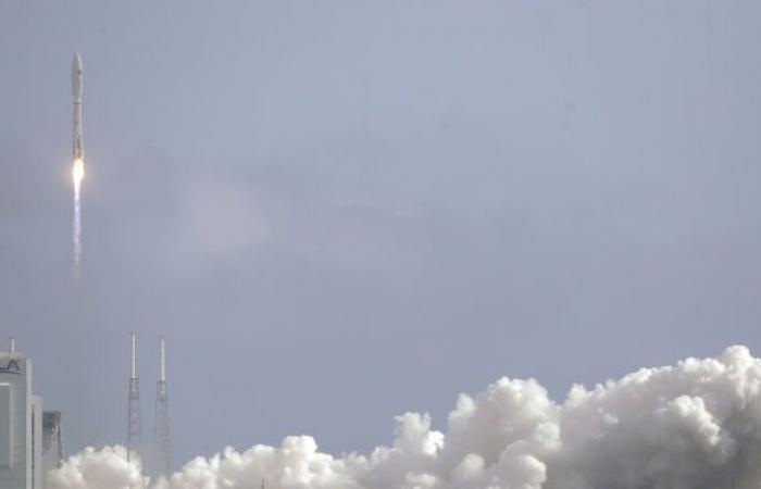 آمازون تطلق أقمارا صناعية بمحركات روسية