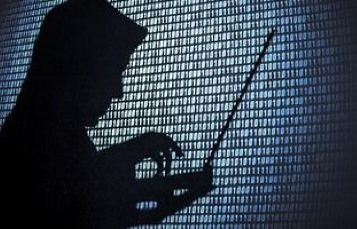 السجن المشدد عقوبة اختراق شبكة معلوماتية تخص الدولة وفقا للقانون
