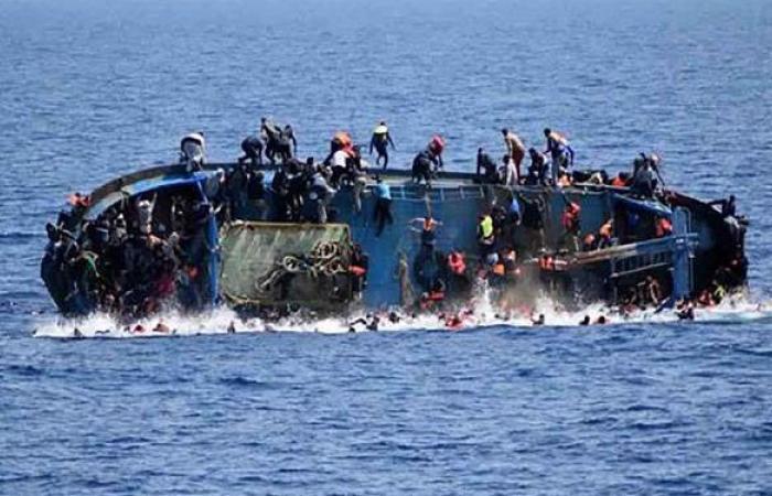 غرق زورق على متنه 130 مهاجرا قبالة السواحل الليبية.. والعثور على 10 جثث