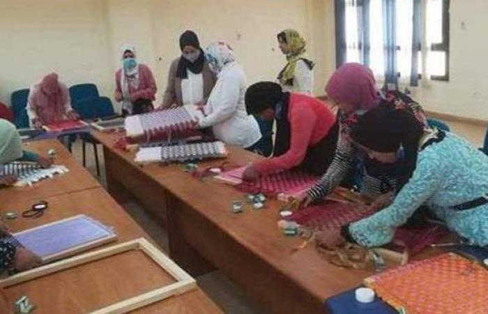 """القومي للمرأة بالمنيا يواصل دوراته التدريبية لفتيات """"حياة كريمة"""""""