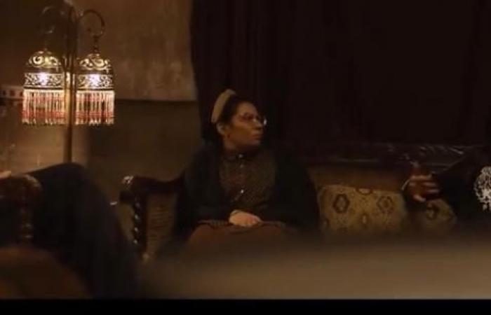"""""""اللى مالوش كبير"""" الحلقة 10.. عودة غزل لزوجها عابد والخديوى يعدها بالحماية"""