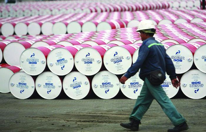 ارتفاع أسعار النفط خلال تعاملات الجمعة.. وبرميل برنت بـ«65.82»
