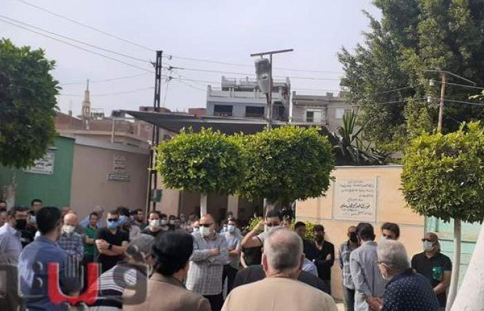 تشييع جنازة زوجة «طبيب الغلابة» محمد مشالي إثر أزمة قلبية بالغربية
