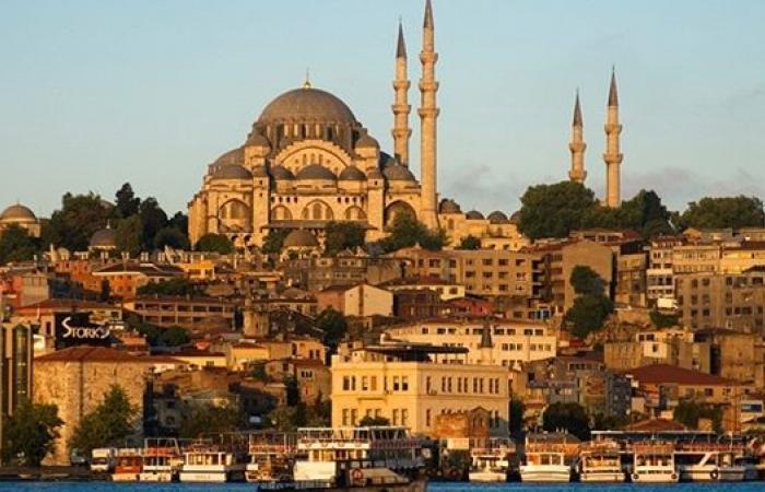 إيرادات السياحة التركية تنخفض 40% خلال الربع الأول من 2021