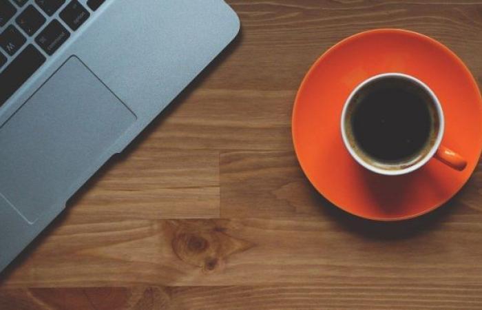 التوتر وتأثيرات أخرى… دراسة جديدة تكشف ما الذي يفعله اعتياد شرب القهوة في الدماغ