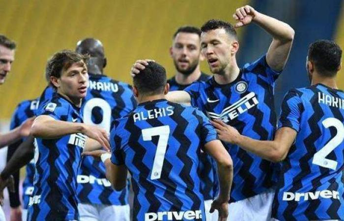 بث مباشر.. إنتر ميلان أمام كروتوني في الدوري الإيطالي