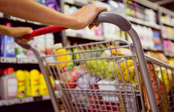 التجارة: ندعو الجميع إلى عدم التسوق في وقت الذروة