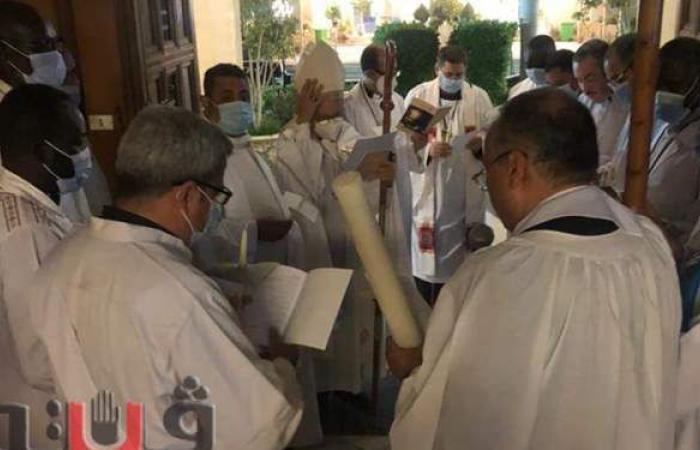 الأنبا عمانوئيل يترأس قداس عيد القيامة المجيد بالأقصر   فيديو