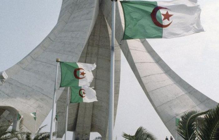 الجزائر تسرع في تحديث إدارة الضرائب