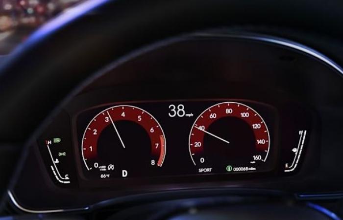 سيارة Honda Civic 2022 تجلب ميزة الإتصال اللاسلكي مع CarPlay و Android Auto