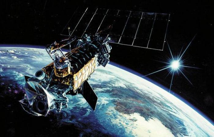 """مجلة: روسيا والصين طورتا أسلحة تجعل الأقمار الصناعية """"عمياء وتائهة"""""""