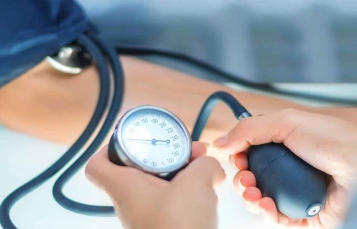 8 مؤشرات لنقص العنصر المسؤول عن تنظيم الضغط وسكر الدم الكوليسترول