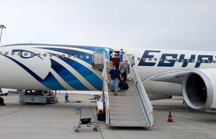 مصر للطيران تسير 46 رحلة جوية لنقل 2427 راكبا بالمطارات.. غدا
