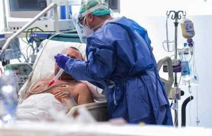 بريطانيا تسجل 1671 إصابة و14 وفاة جديدة بفيروس كورونا