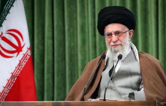 """أزمة في إيران... خامنئي يشن هجوما ضاريا على ظريف ويتهمه بـ""""بتكرار كلام أمريكا"""""""