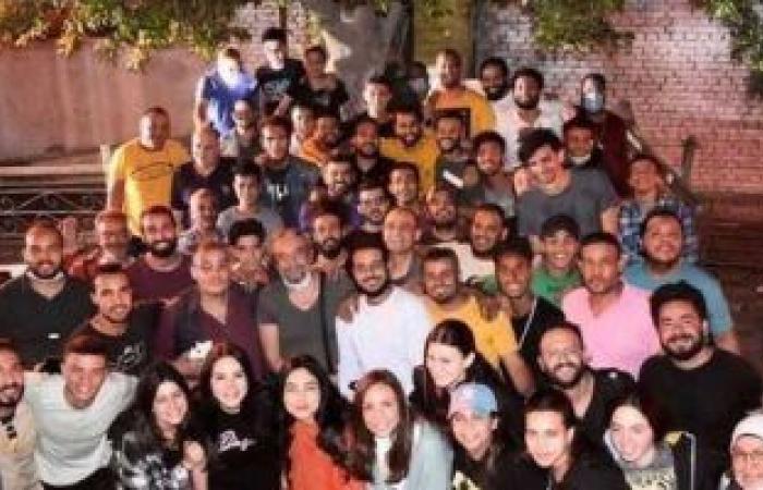 """أحمد نادر جلال يحتفل بانتهاء تصوير مسلسل """"كوفيد 25"""""""