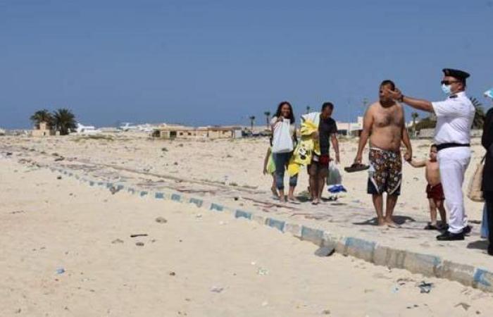 سكرتير عام مطروح يتفقد خلو الشواطئ | صور
