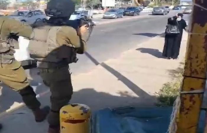 قوات الاحتلال الإسرائيلي تطلق النار على عجوز فلسطينية