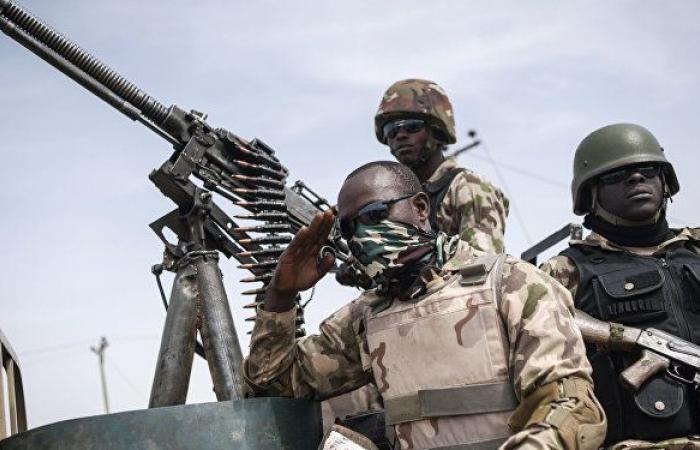 مقتل 16 جنديا نيجريا في هجوم مسلح على وحدة عسكرية غرب البلاد