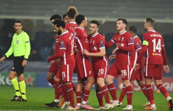 محمد صلاح يقود تشكيل ليفربول الرسمي أمام مانشستر يونايتد