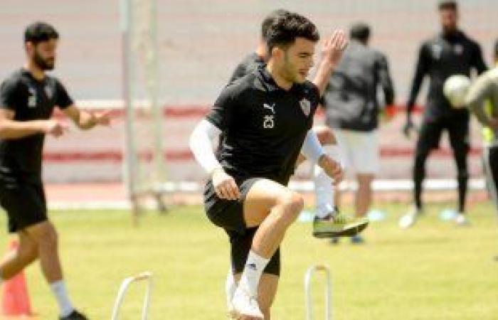 """كارتيرون يُعالج """"زيزو"""" نفسيًا بعد إهدار فرصة هدف محقق أمام بيراميدز"""