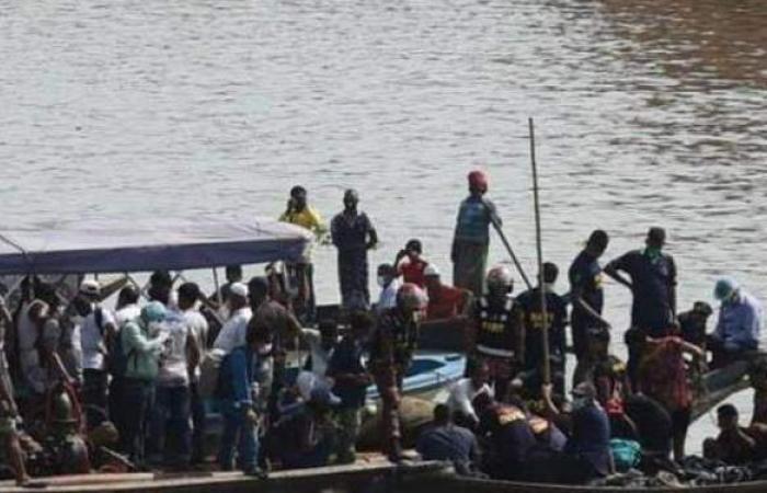 مصرع 26 شخصا وفقد آخرين في غرق قارب ببنجلادش