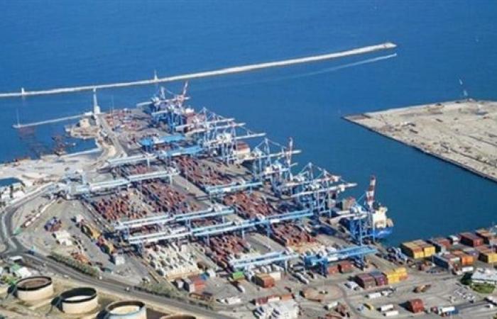 تداول 344 شاحنة و7600 طن بضائع عامة بموانئ البحر الأحمر