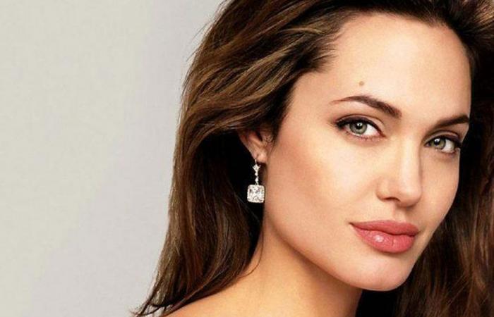 أنجلينا جولي.. النجمة الأمريكية تظهر في عالم «مارفل» السينمائي