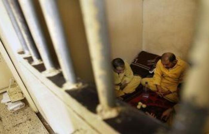 فيديو.. لحظة هروب 21 نزيلا من سجن جنوبى العراق