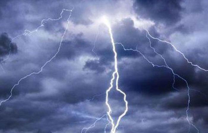 «طقس الثلاثاء».. 5 مناطق تتأثر بأمطار رعدية ورياح نشطة