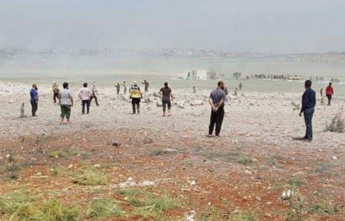 3 قتلى و11 جريحا.. استهداف مستودع تصنيع قذائف في إدلب