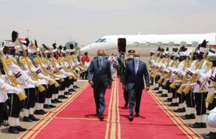 الرئيس الإريتري يزور السودان لبحث أزمة سد النهضة