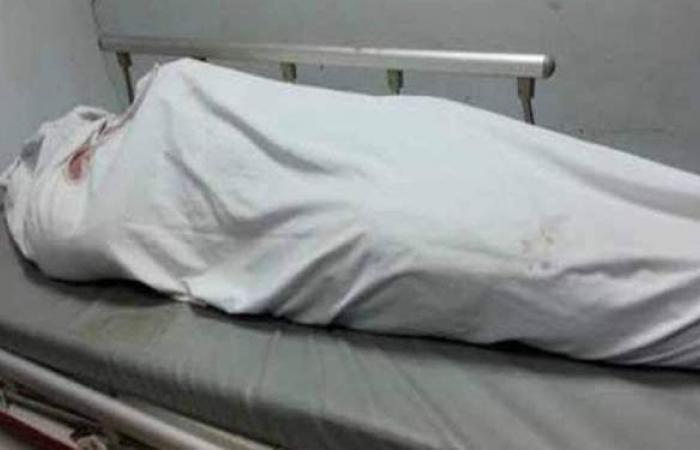 معاينة جثة فرد أمن بمصنع ١٥ مايو: تهشم في الرأس وطعنات بسلاح أبيض