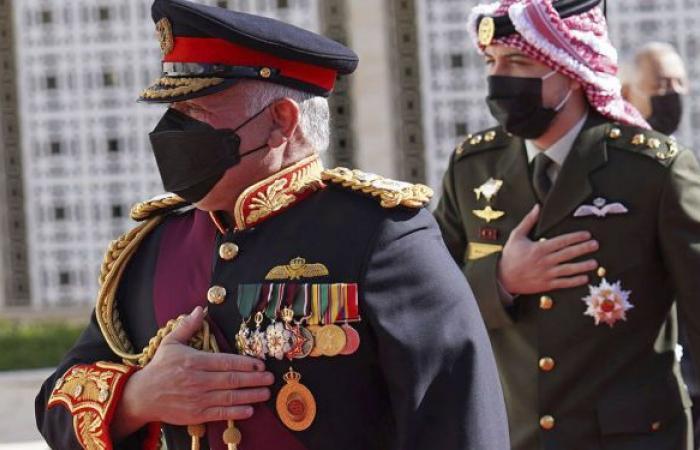 الملك عبد الله الثاني يشهد انضمام دبابة جديدة للقوات المسلحة الأردنية