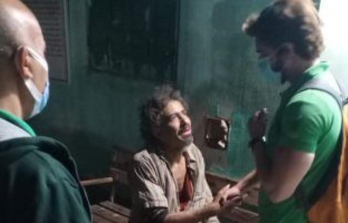 إنقاذ شاب بلا مأوى وإيداعه بمستشفى العباسية لتلقى الرعاية الصحية