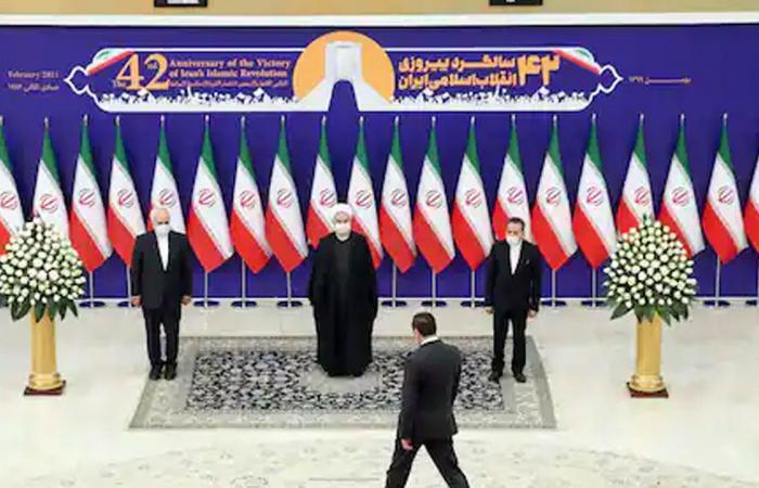 «نهاية اللعبة».. المباحثات النووية تشعل معركة في طهران بين روحاني والتيار المتشدد