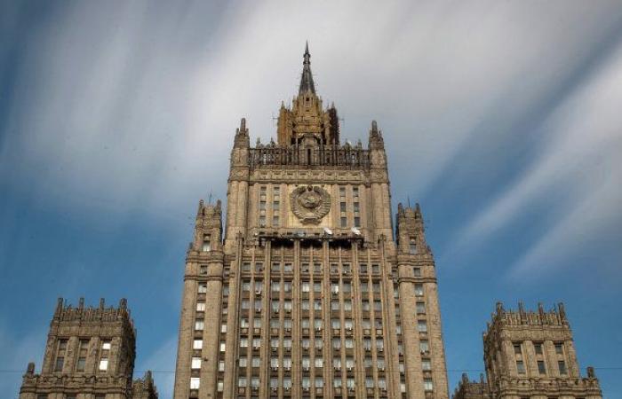 """الخارجية الروسية: موسكو لم تبدأ """"حرب العقوبات"""" مع الغرب ومستعدة لإنهاء المواجهة"""