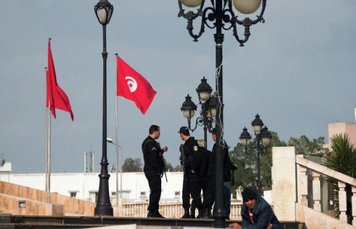 البحرية التونسية تنقذ 20 مهاجرا من الغرق