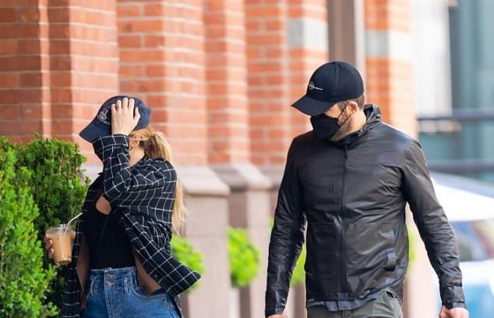 ريان رينولدز مع بليك ليفلى بإطلالة مشابهة بأحدث ظهور فى شوارع نيويورك
