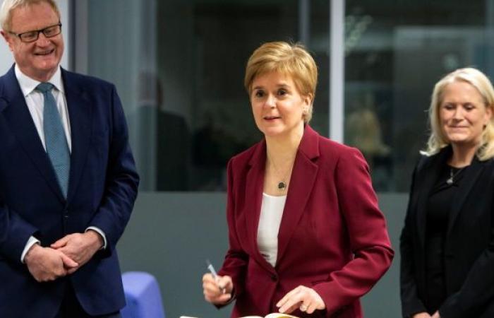 اسكتلندا تتحدى بريطانيا: سنجري استفتاء الاستقلال حتى لو رفض جونسون
