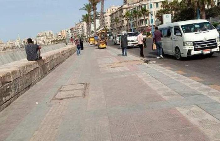 عودة المواطنين للتنزه على كورنيش الإسكندرية   صور
