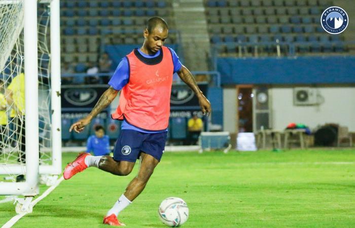 أحمد الشيخ يستعد للظهور مع بيراميدز أمام دجلة.. ومران قوى للحراس.. صور