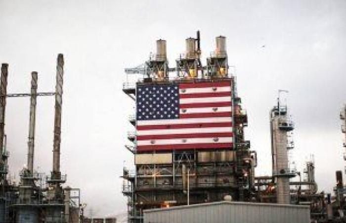 ارتفاع أسعار النفط 2% مع تخفيف القيود فى بعض الولايات الأمريكية