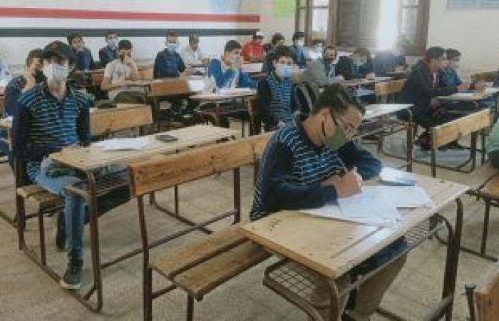 تعليم القاهرة: مراجعة نتائج امتحانات صفوف النقل وإعلانها فى المدارس