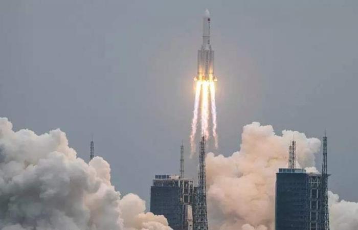 """البحوث الفلكية يصدر بيانا عاجلا بشأن سقوط """"الصاروخ الصيني"""""""