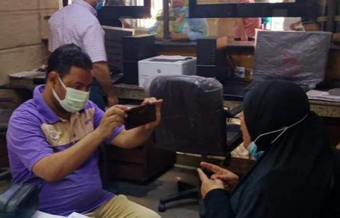 سيدة حاولت الوصول لمحافظ الإسكندرية أثناء جولة: «المحافظ جبر بخطري»   فيديو