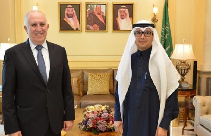 مباحثات سعودية لبنانية حول المستجدات السياسية الراهنة في بيروت