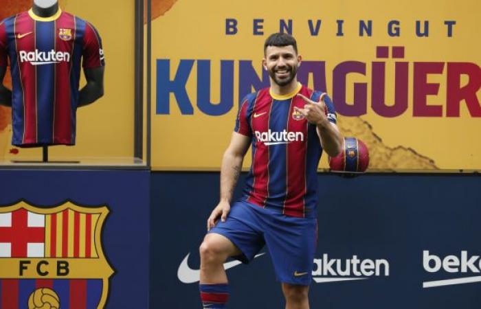 عقب تقديمه لاعبا جديدا في برشلونة... هذا ما يتمناه أغويرو بشأن ميسي
